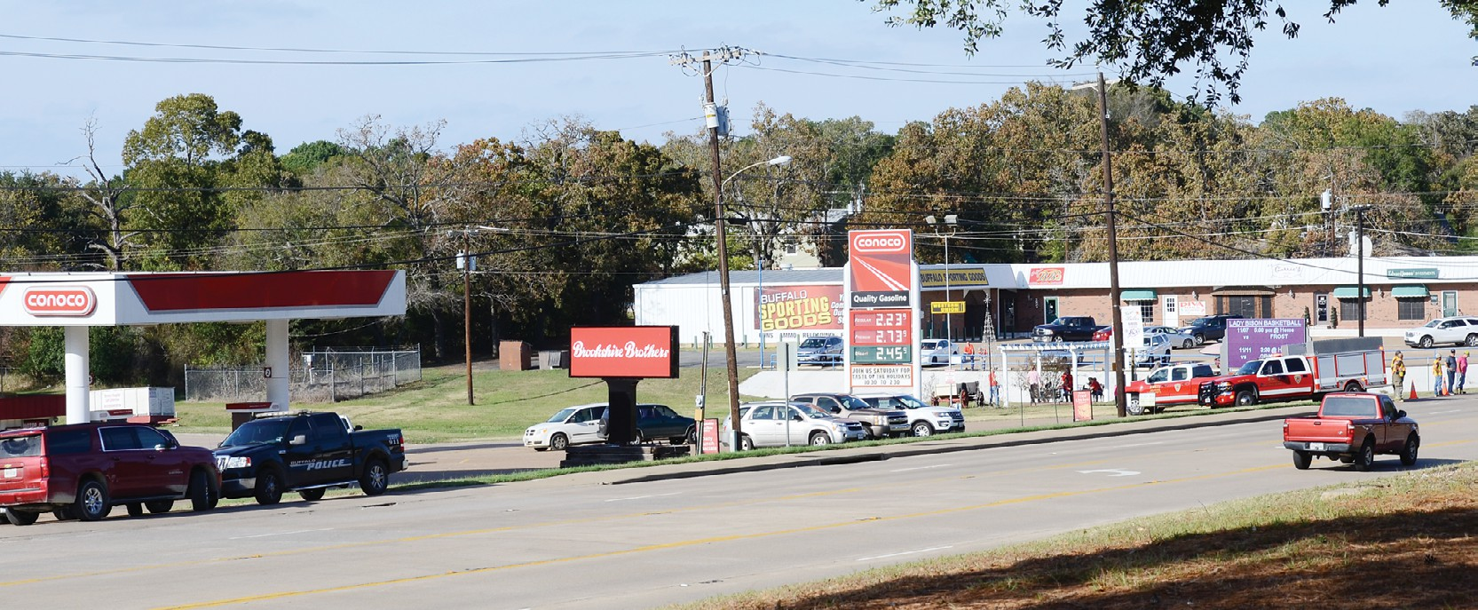 Brookshires Closes For Afternoon Due To Sign Worries Leon County